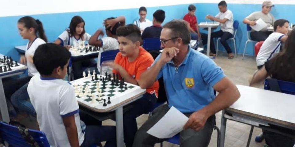 A prefeitura de Paraú, por meio da Secretaria de Educação implanta o Projeto na Escola Padre Amaro.