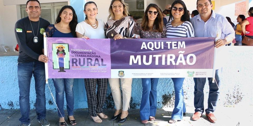 Prefeitura de Paraú, através da Secretaria de Agricultura e Pesca, Assistência social e  CRAS, realizam mutirão.